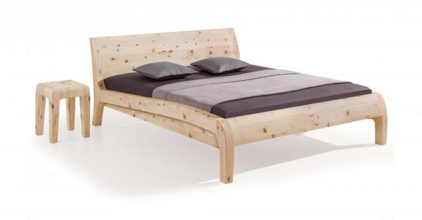Bett Beluga in Zirbenholz ( Abb. in Komforthöhe + 248,00 € )